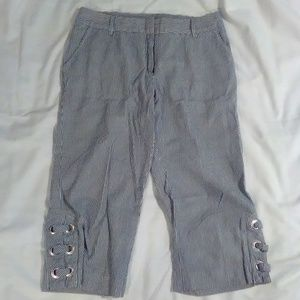 Willi Smith women's size 8  stripped capri pants